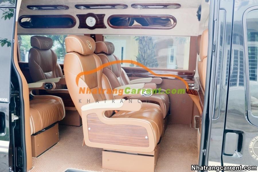 9 seat Limousine nha trang to airport