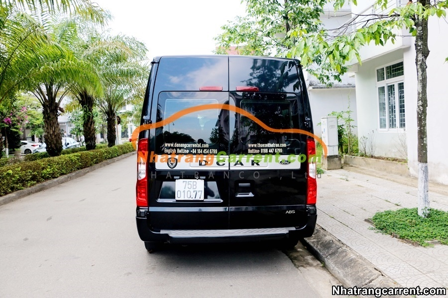 9 seat Limousine nha trang car rental with driver