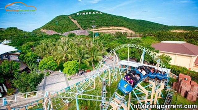 Thrilling games at Phu Dong Water Park